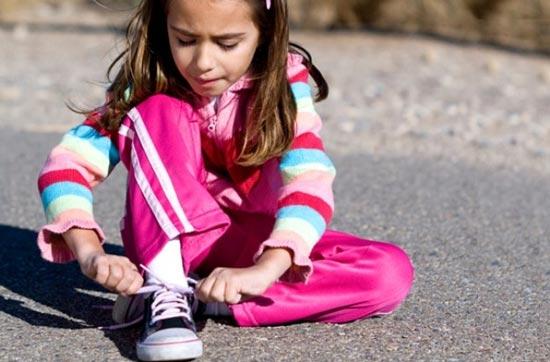 کفش بندی برای بچه ها بهتر است یا چسبی؟