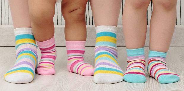 چه جورابی مناسب پای کودک شماست؟